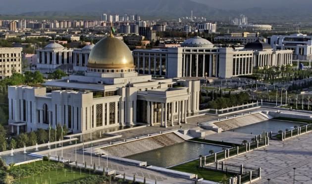 Presidents-palace-Ashgabat-Turkmenistan-630x372