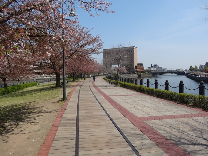 Walkway to a small island with the World Porters Mall and the Cup Noodles Museum.