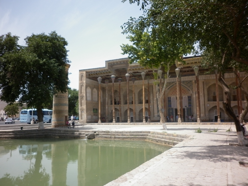 Lyabi Huaz - Big square in Bukhara