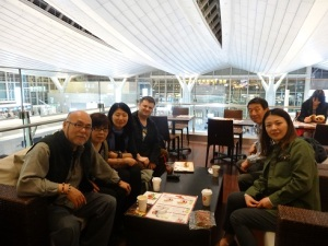 Everyone came out to say goodbyeat Haneda Airport, Tokyo