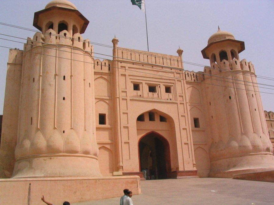 Grand entrance to the Bashahi Mosque