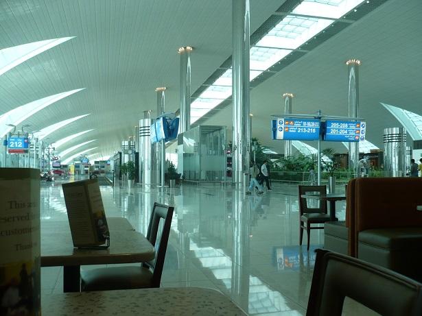 Dubai airport, 6am before the madness