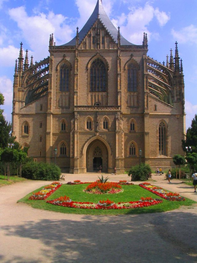 The Amazing St Barbara's Cathedral in Kutna Hora
