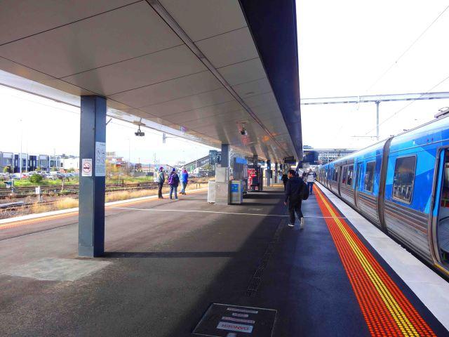 Alighting at West Footscray
