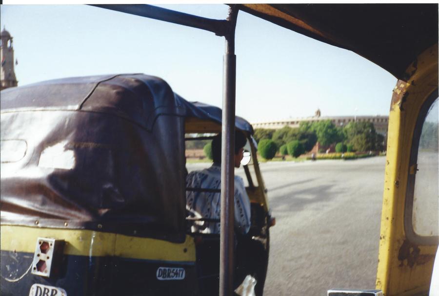 Auto-rickshaw racing!