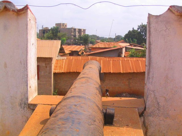 Old canon at the fort/museum.