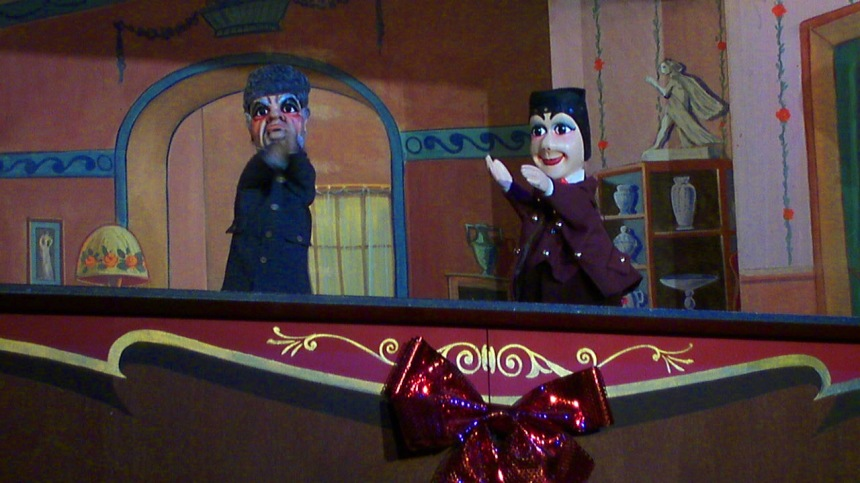 Guignol on stage.