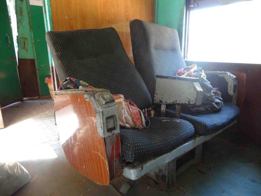 Hmmmm seats shouldn't 'sit' like that methinks!