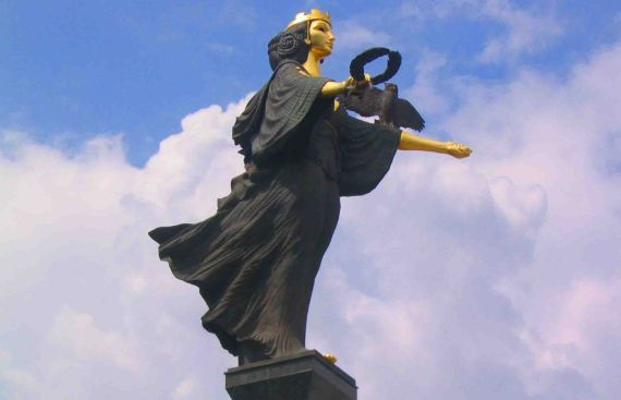 Statue of St Sofia