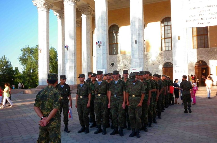 Soldiers outside the Opera and Ballet Theatre after an afternoon show.