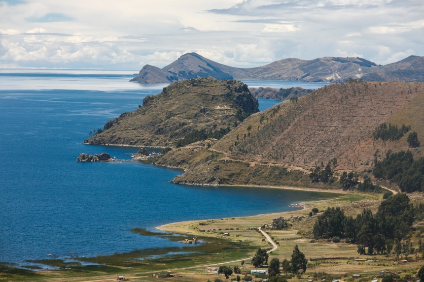 Lake_Titicaca_-_Road_to_Bolivia_(8385839315)