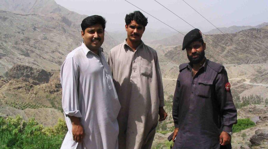 pakistan men khyber pass