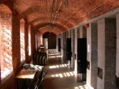 hallway-near-the-rooms
