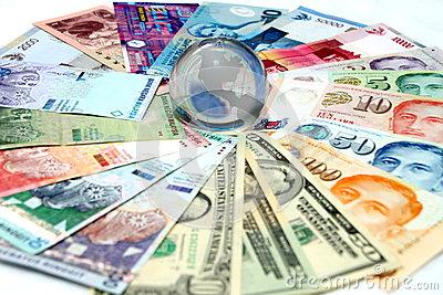 mixed-currencies-globe-centre-29984521