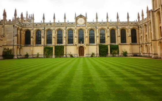 Can't beat an Oxford lawn!