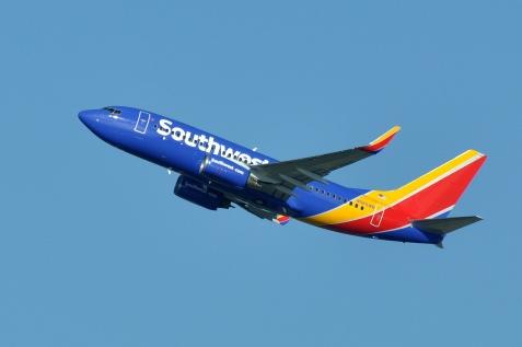 Southwest_Airlines,_Boeing_737-76Q(WL),_N565WN_-_SEA_(21783111420)