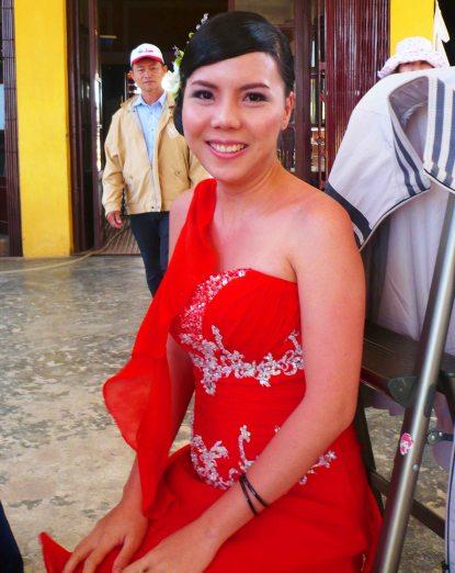bride at dalat station