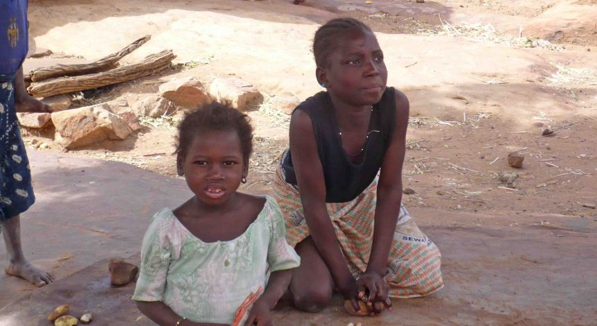 children at dogon 1