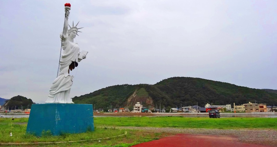 A replica Statue of Liberty still stands metres away from the open bay at Ishinomori.