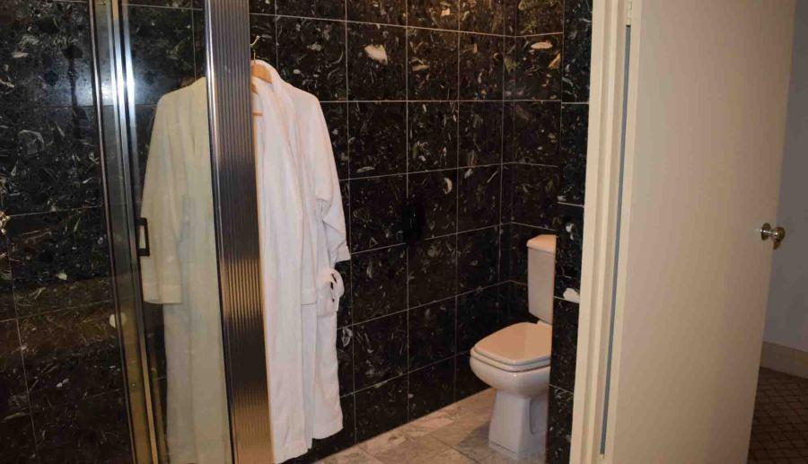 hyatt canberra bathroom 1