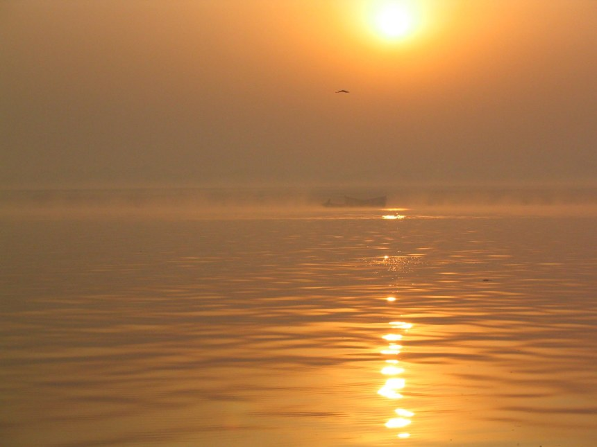 sunset on the ganges varanasi 2