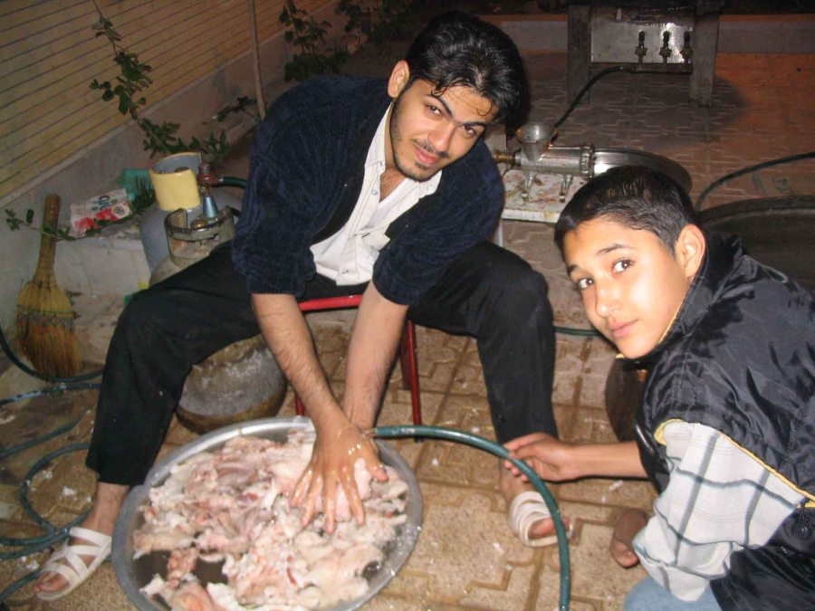 Preparing Aubgusht in Kerman.