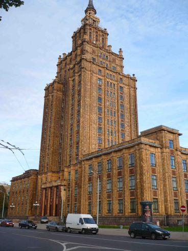 Stalinesque building in Riga.