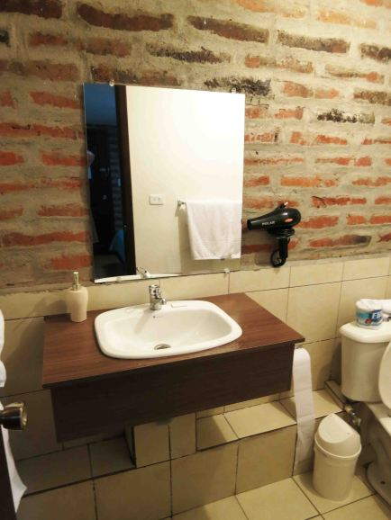 bathroom-sink-quito-aiport-suites