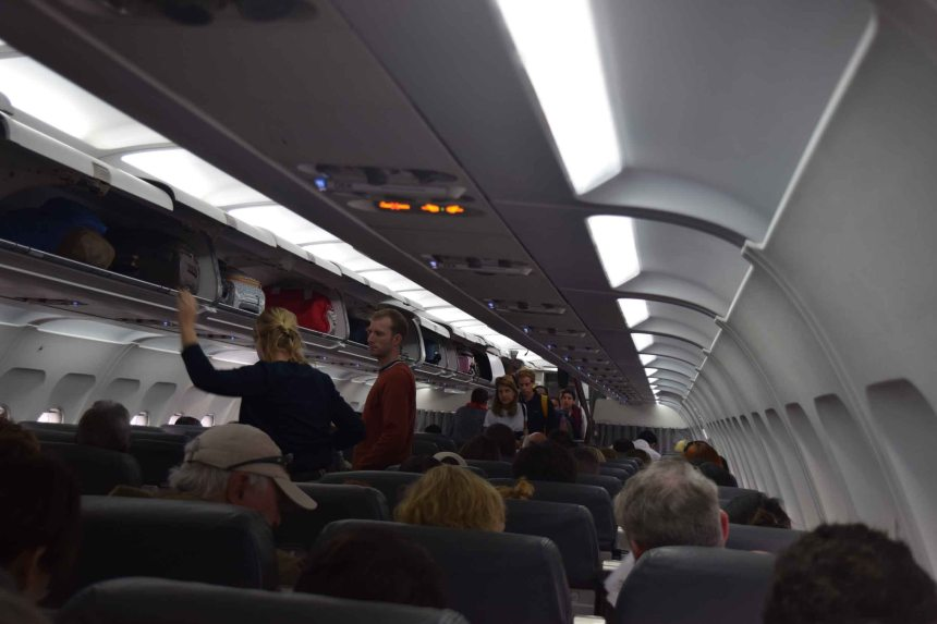 interior-plane-avianca