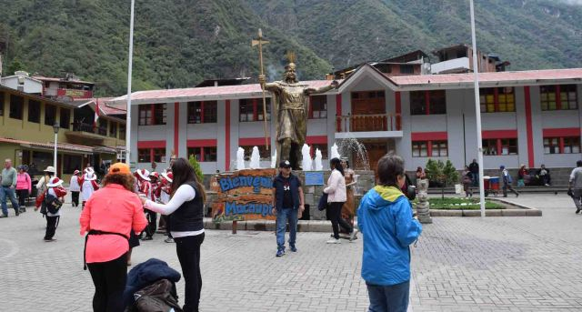 Aguas Calientes, main square.