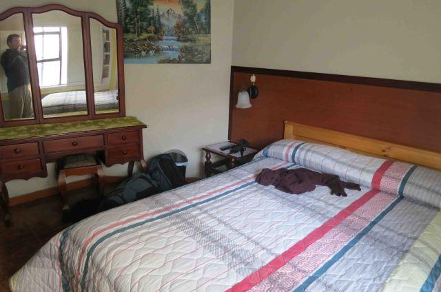 hotel-tren-dorado-bedroom