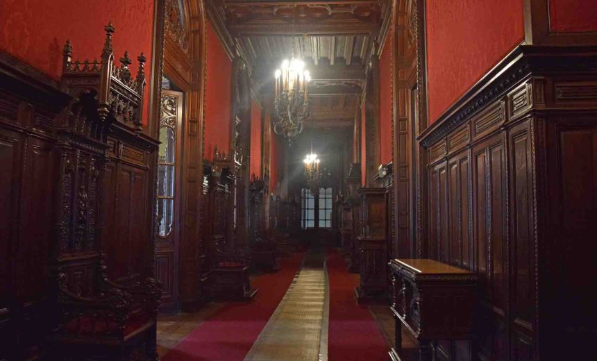 Amazing corridor.