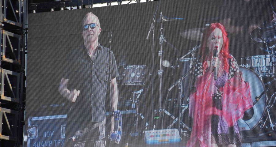 screen-fred-schneider-and-kate-pierson