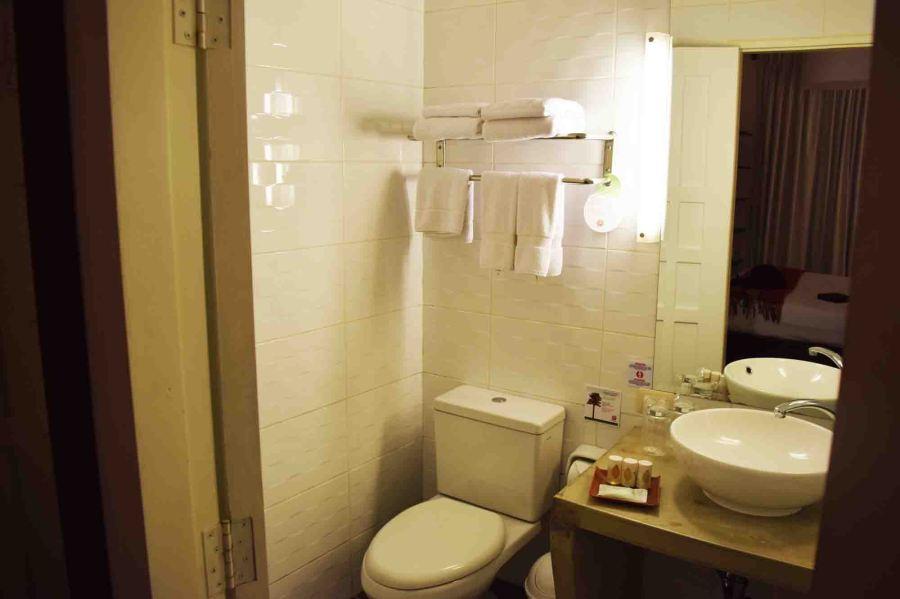 bathroom-saphi