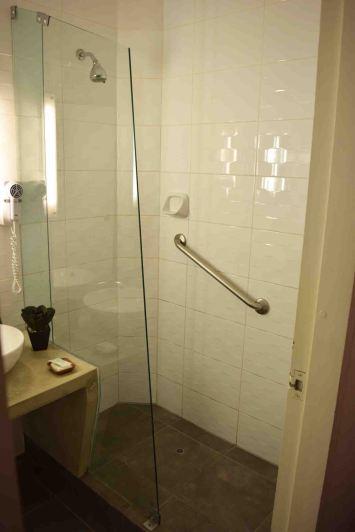 shower-saphi