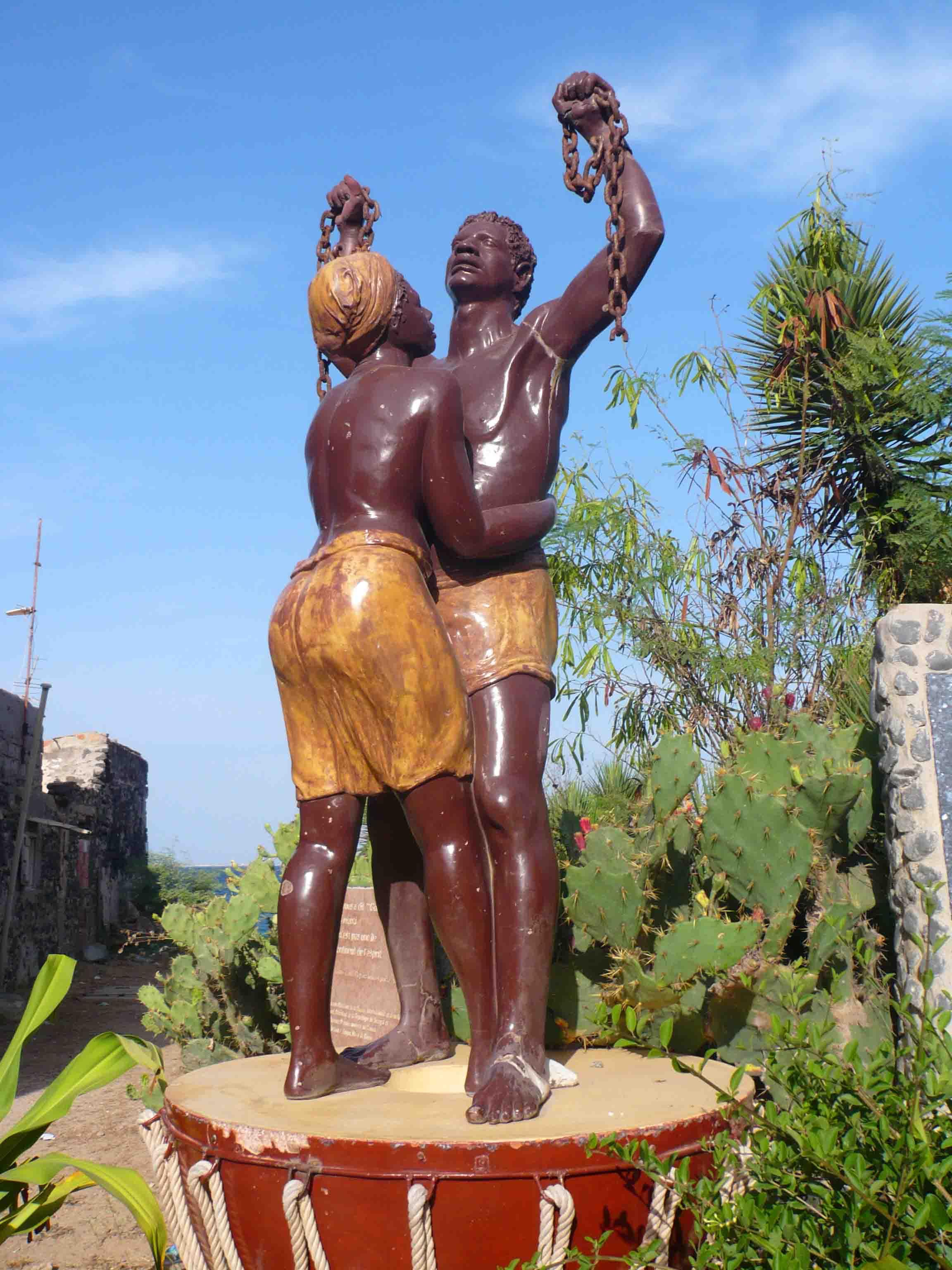 Ile de Gorée statue