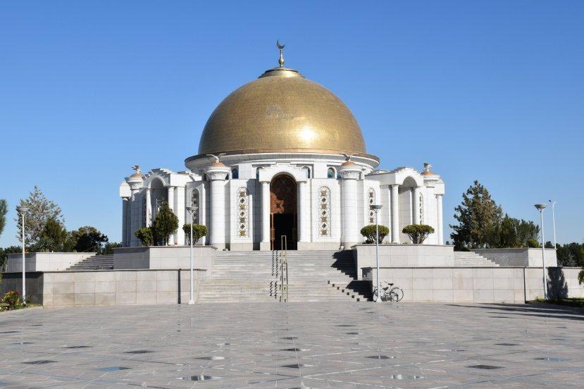 turkmenbashi tomb